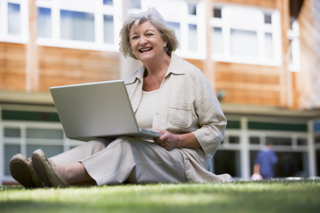 College Grants for Women Over 50